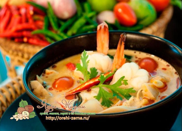 Тайский суп Том Ям Кха Кунг
