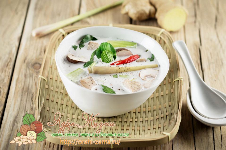 """Тайский суп с кокосовым молоком """"Том Ям Кунг"""""""