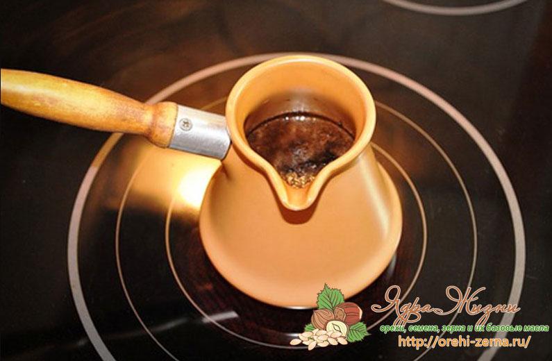Как сварить кофе в турке на индукционной плите
