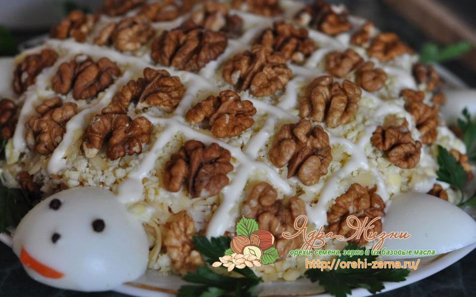 Салат Черепашка с курицей и грибами