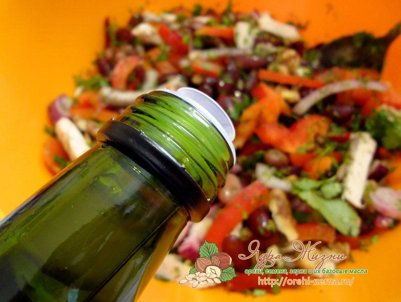 Салат с красной фасоли на масле