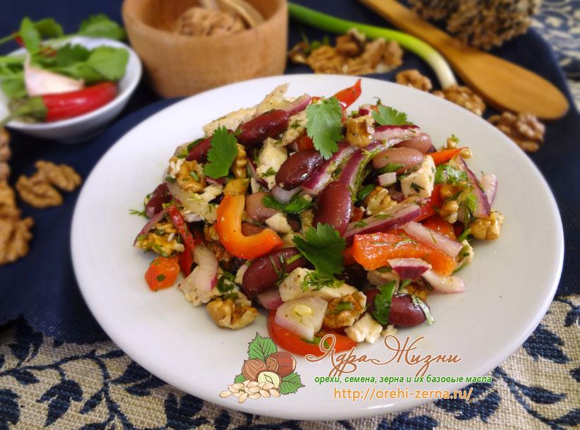 салат с ржаными сухариками с фасолью рецепт