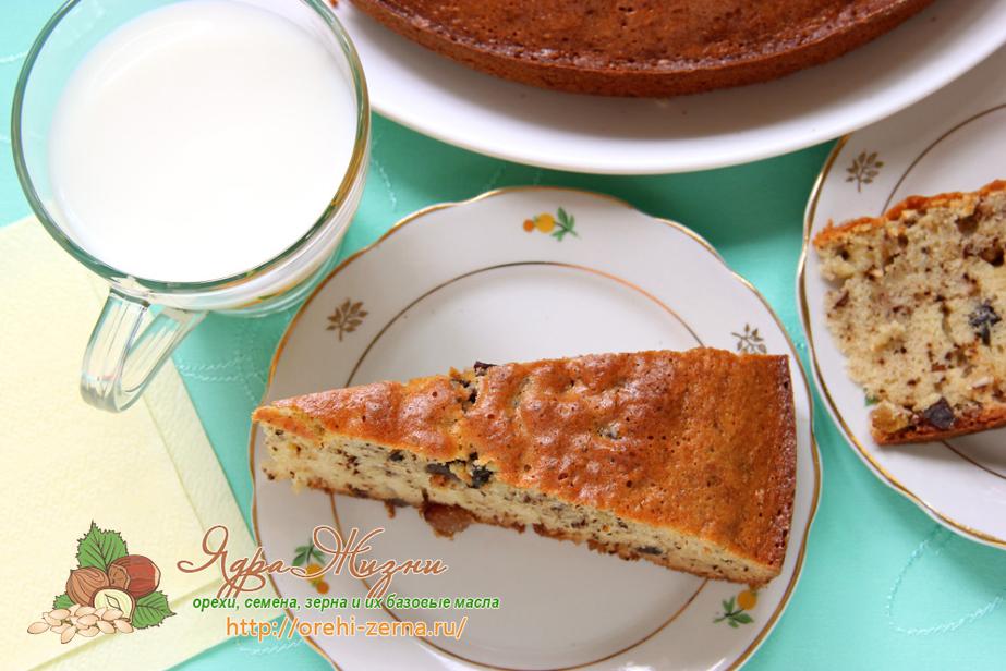 пирог с орехами, изюмом и черносливом