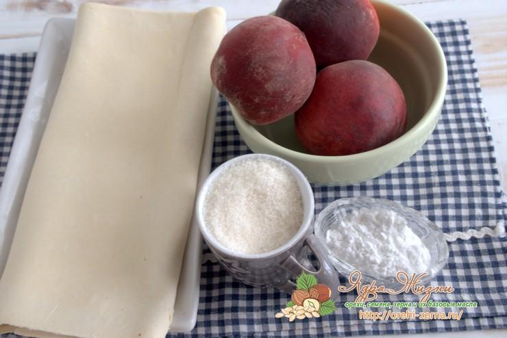 пирог из слоеного теста с персиками продукты