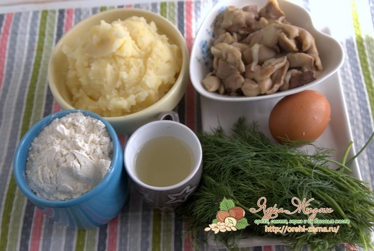 Чебуреки с картофелем и грибами: продукты