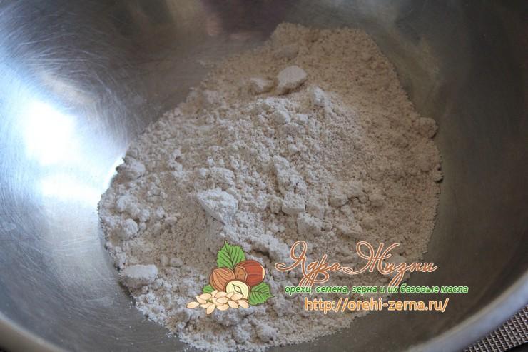хлебцы из хлопьев, с облепихой и зеленой гречкой рецепт