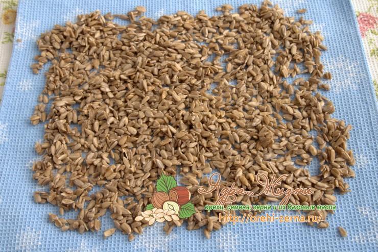 как жарить очищенные семечки рецепт