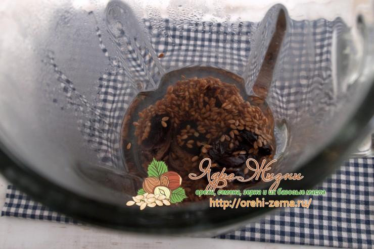 льняная каша с черносливом