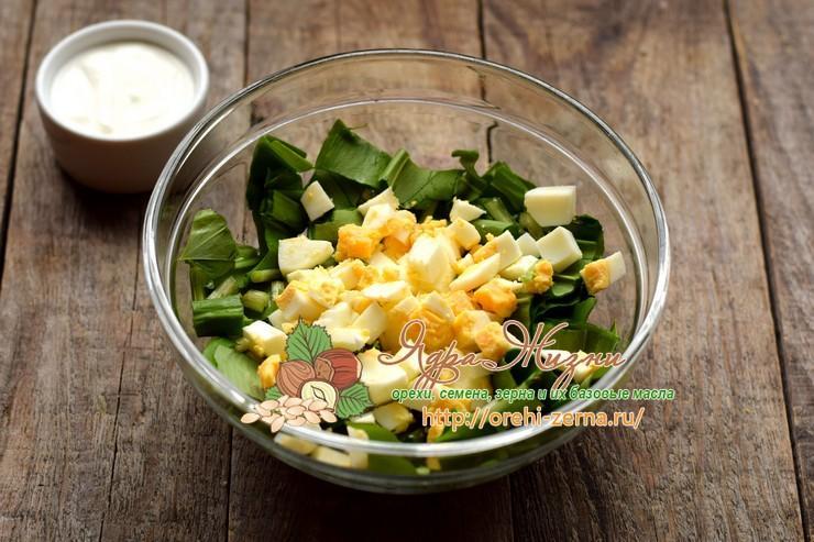 салат с черемшой и яйцами рецепт в домашних условиях