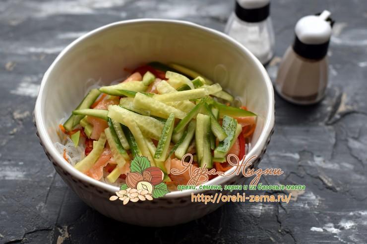салат с фунчозой рецепт в домашних условиях