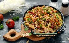 Фунчоза с курицей и овощами на праздничный стол: рецепт в домашних условиях