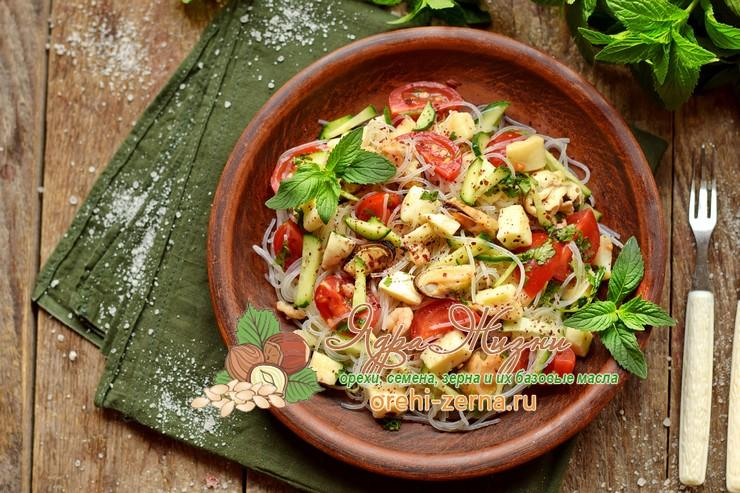 Салат с фунчозой и морепродуктами рецепт в домашних условиях