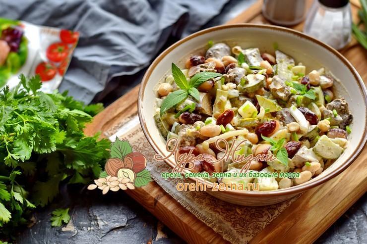 Как приготовить салат с печенью и фасолью на праздничный стол: рецепт в домашних условиях