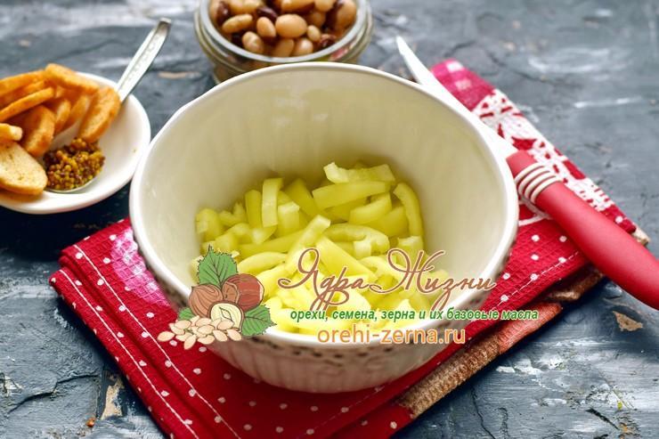 салат с фасолью и печенью рецепт