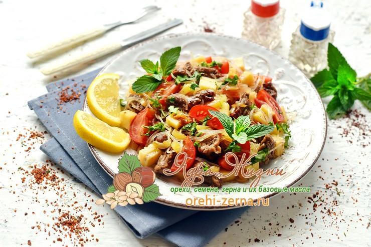 Теплый салат с фунчозой, говядиной и сыром рецепт в домашних условиях
