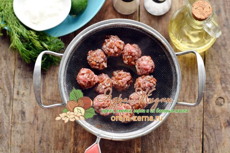 мясные ежики с красным рисом рецепт в домашних условиях
