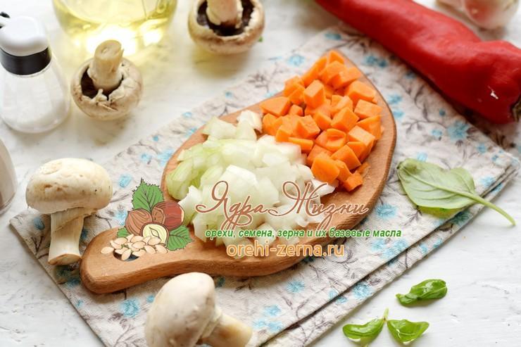 теплый салат из красного риса рецепт с фото