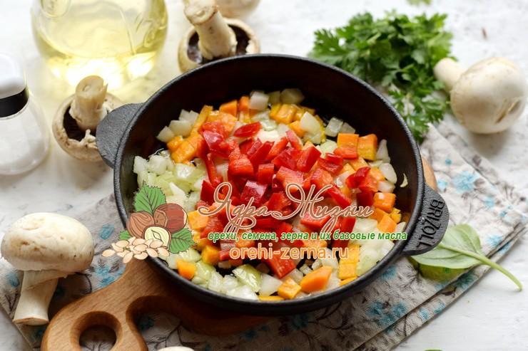 теплый салат из красного риса рецепт