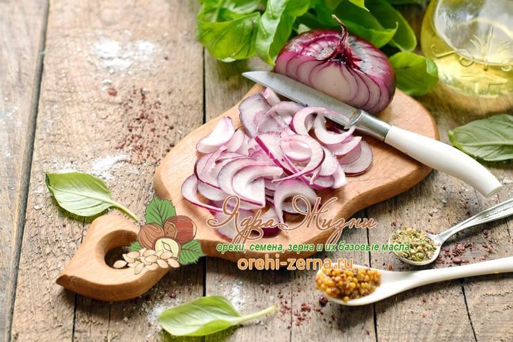 Салат из овощей с красным рисом под соусом пошаговый рецепт