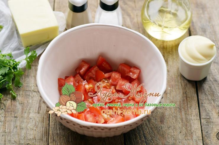 Салат с консервированной фасолью и грибами рецепт с фото