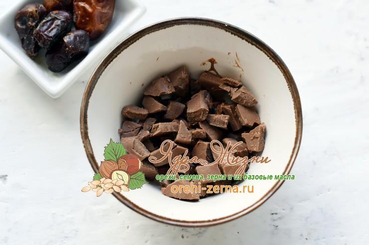 шоколадные конфеты с финиками и кокосовой стружкой