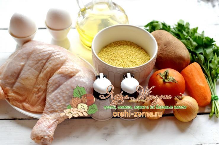 Пшенный суп на курином бульоне с помидорами