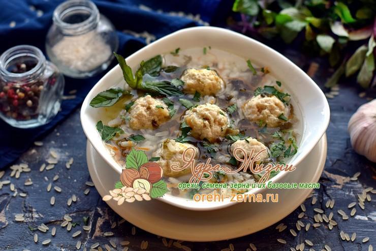 Рисовый суп с фрикадельками и щавелем рецепт в домашних условиях