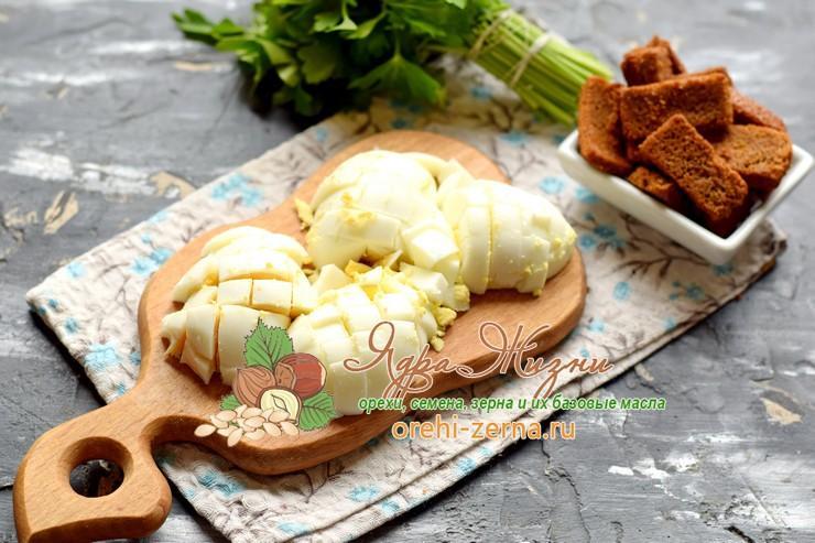 салат с фасолью и колбасой рецепт с фото